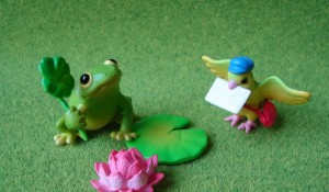 small birds and frog story in hindi