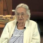 बूढी माँ की सुई – एक कहानी जो आप का जीवन बदल सकती है