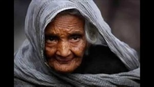 old budhi ma ke kahani